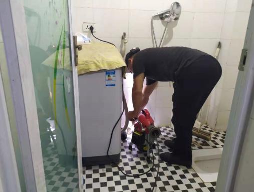 汉四小厕所地漏疏通