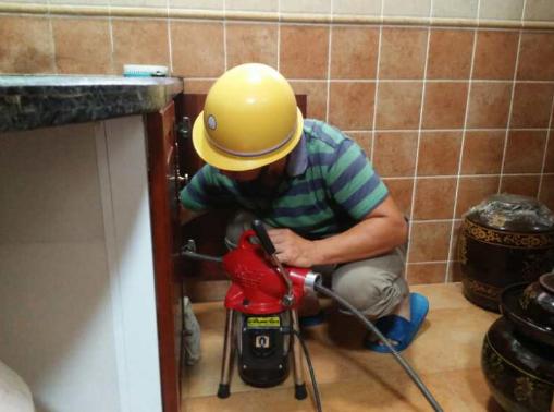 厨房下水道为什么容易堵塞啊?
