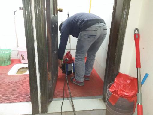 滨江路疏通厕所