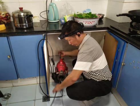 油脂堵塞了厨房下水道怎么办?