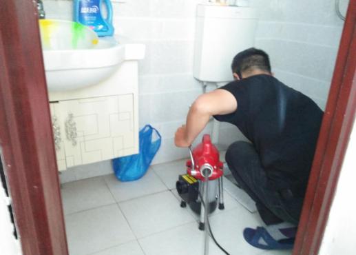 彭水疏通厕所管道案例分析