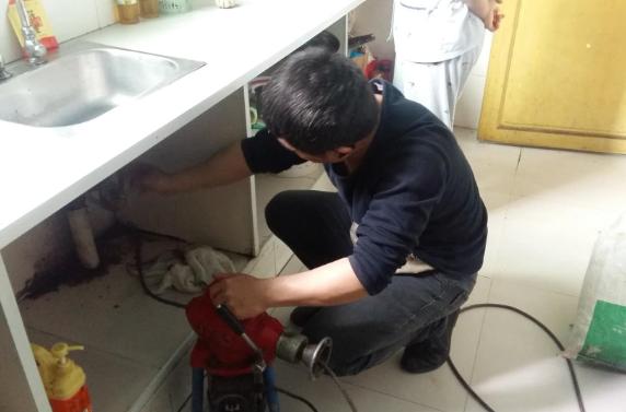 怎样疏通厨房下水道堵塞?