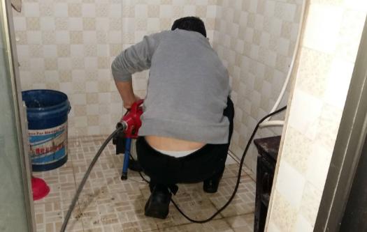 厕所堵塞具体原因?