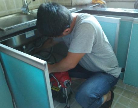 如何有效避免厨房下水道堵塞?