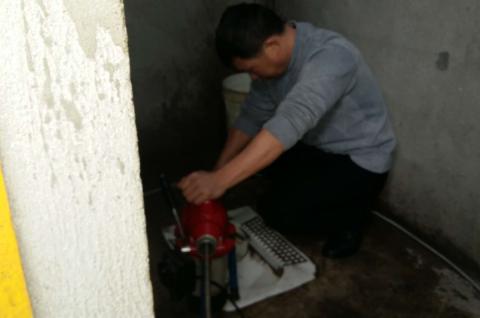 保养水槽水龙头的技巧