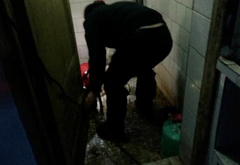 彭水管道疏通专家讲解疏通剂的危害