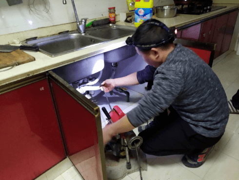 厨房下水道定期疏通的重要性