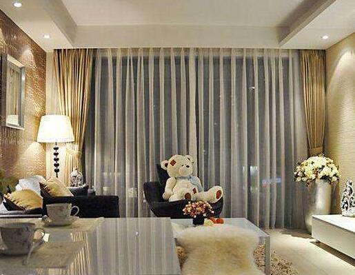 装饰房子时,如何搭配壁纸与窗帘-风格相符
