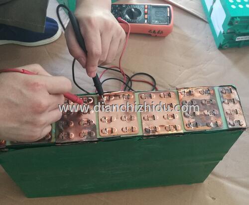万用表测试锂电池充电电压是不是OK?