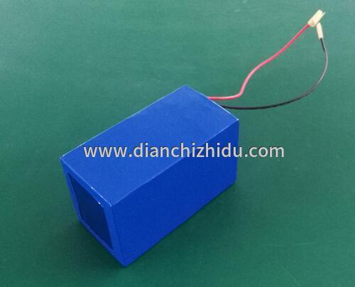 电动车锂电池充电器原理图竟然藏在电池内部的保护板上与充电器对接