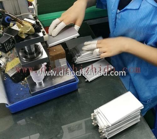锂离子电池与聚合物电池哪种更好
