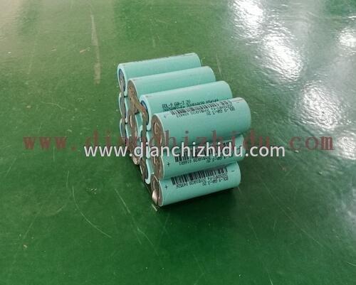 按要求做了一个磷酸铁锂12V锂电池定制