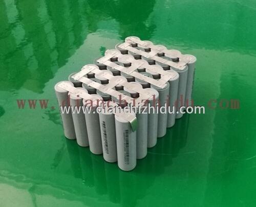 18650锂电池组装半成品待测试