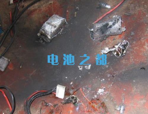 18650和聚合物电池哪个安全,聚合物电池燃烧现场