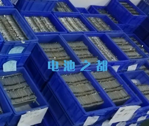 聚合物锂电池企业厂家的电池仓库
