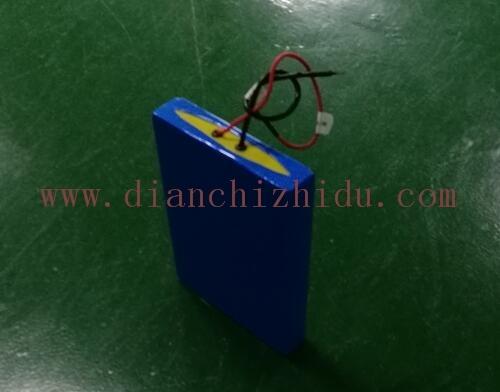 12V30Ah太阳能路灯锂电池用蓝色膜包装很好看