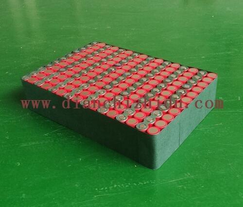 这是一款16串60V圆柱形锂电池组
