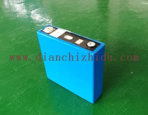大容量磷酸铁锂3.2V100Ah锂电芯
