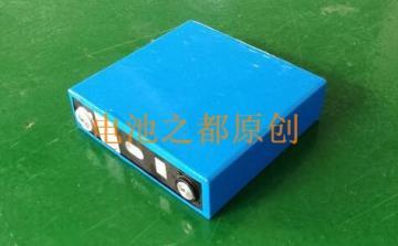 磷酸铁锂3.2V100Ah电芯图片展示