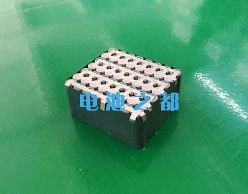 7串18650锂电池是这样的结构