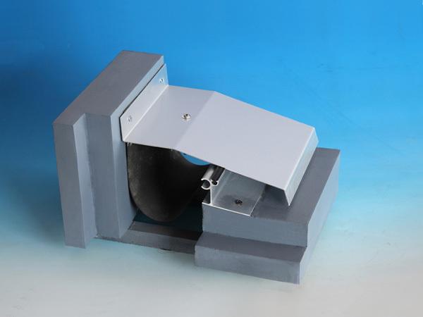 屋面变形缝金属盖板型转角R-WM