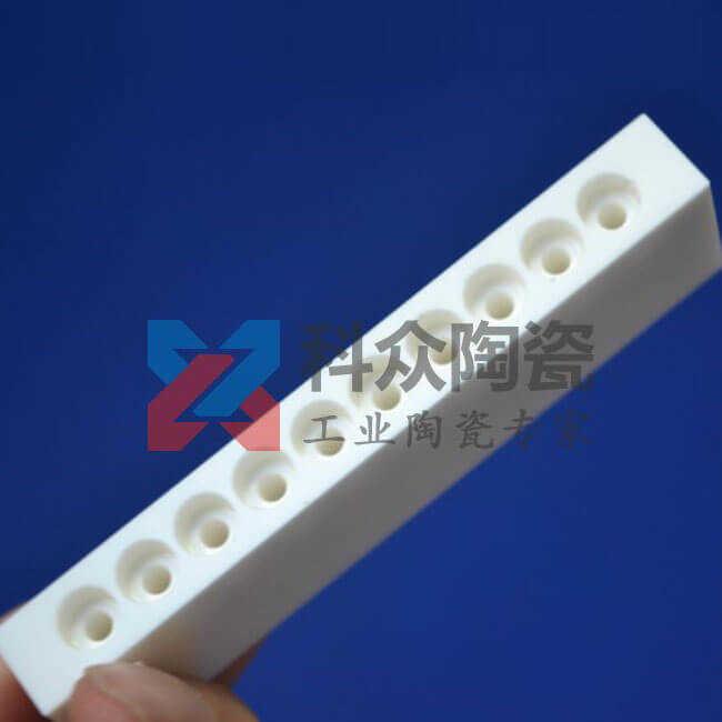 95氧化铝工业陶瓷板盲孔加工