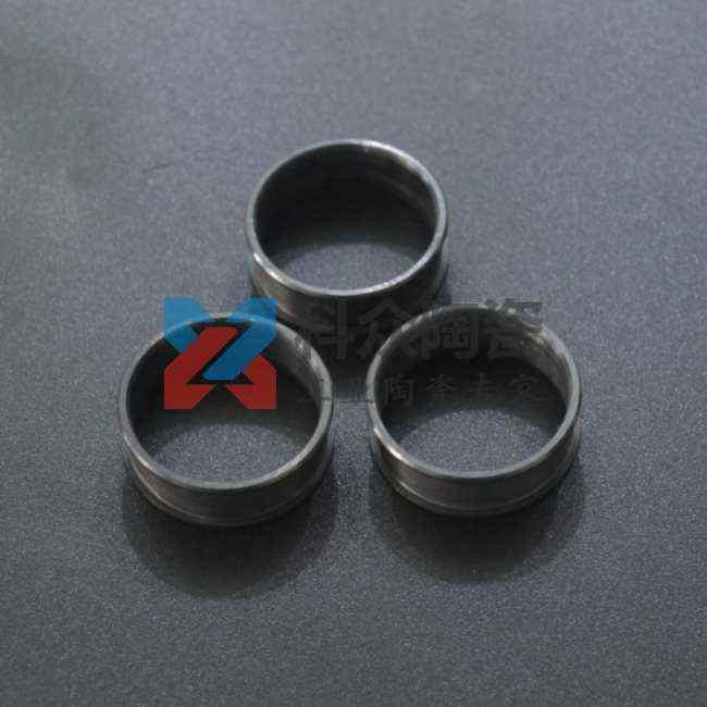 黑色氧化锆工业陶瓷环饰品