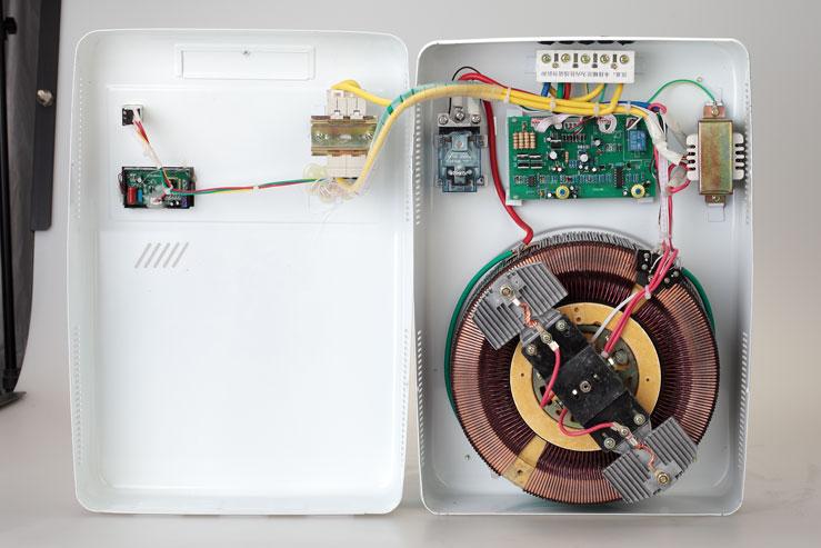 220V交流稳压器(壁挂式)