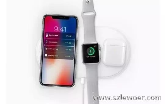 能同时给苹果手机、手表、耳机充电的无线充电器产品图片