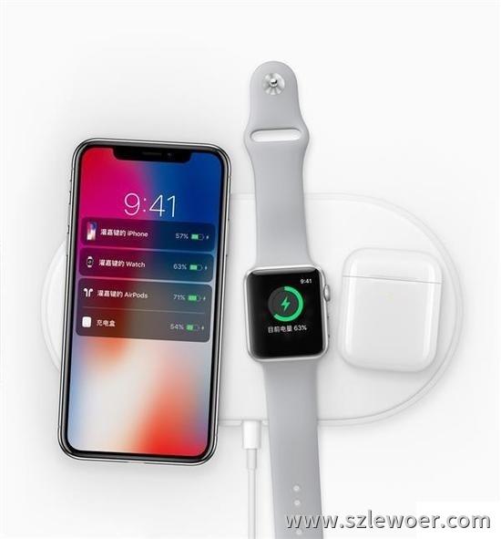 苹果无线充电器airpower正在给iPhone X及手表充电展示图