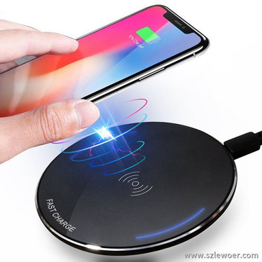 桌面手机无线充电器10w圆形款非常讨年青人喜好