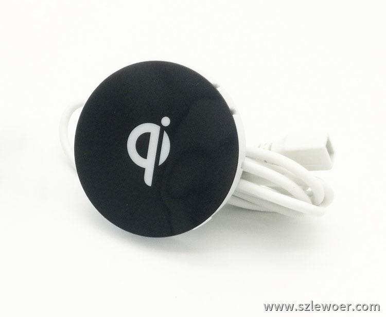 qi标准办公桌用无线充电器 iphone