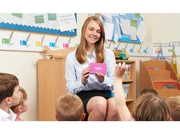 网上学英语怎么样?多多比较收费标准或许可以选择更合适的机构