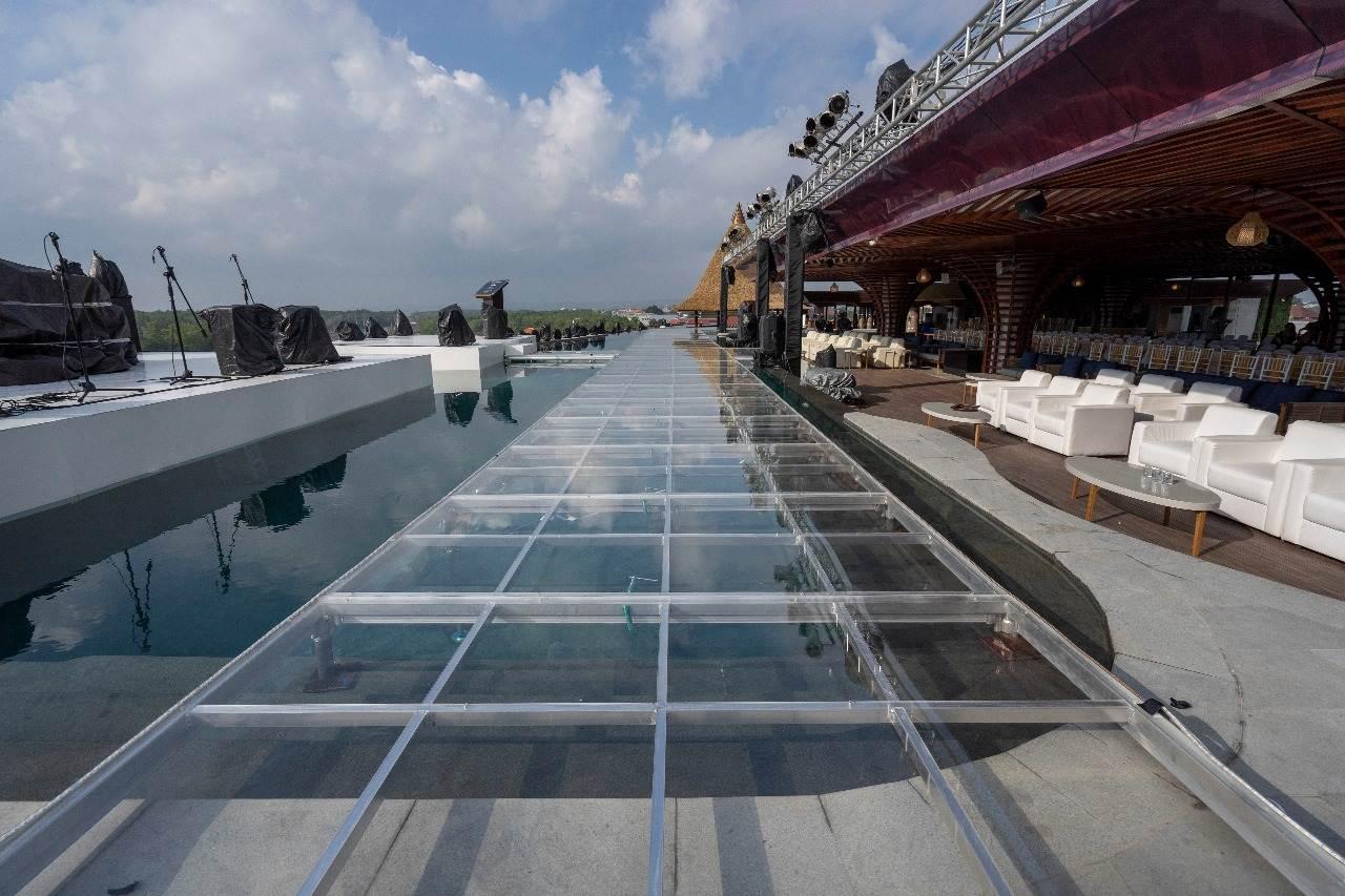泳池有機玻璃舞臺