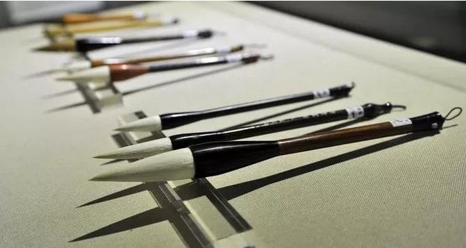 如何挑选毛笔?简单明了四种方法!