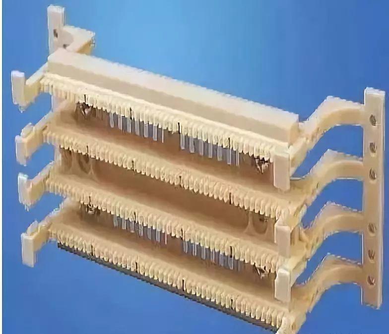网络机柜布线中的两个利器跳线架、配线架