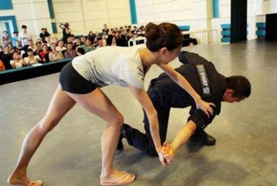 女生如何防身自卫?