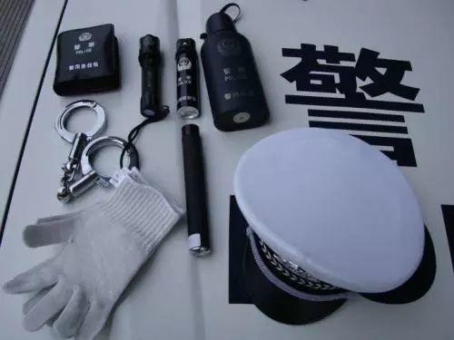 警用大瓶POLICE防暴催泪瓦斯/防狼喷雾器