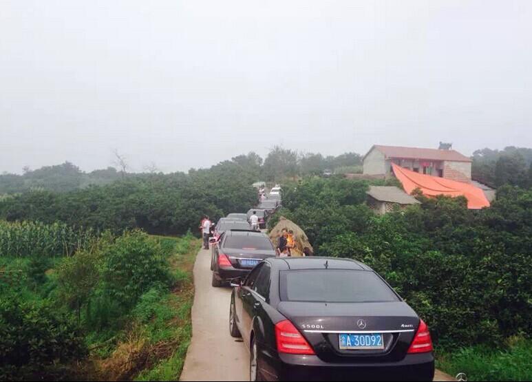 """哈尔滨租车-成功婚车--""""劳斯莱斯+奔驰S350L车队"""" 圆满顺利结束"""