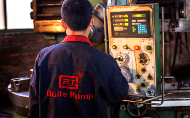 machining slurry pump parts with lathes
