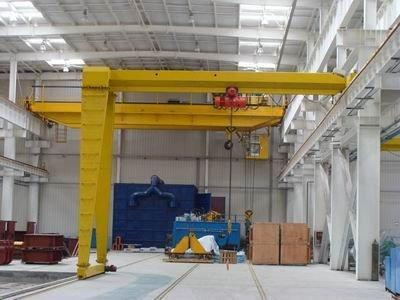L型单梁电动葫芦半门式起重机的优点是什么?