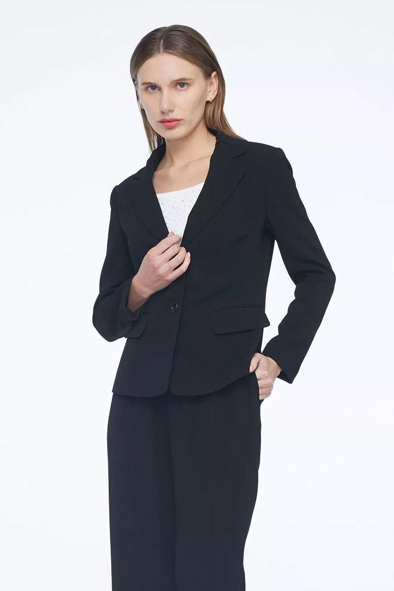 黑色职业装