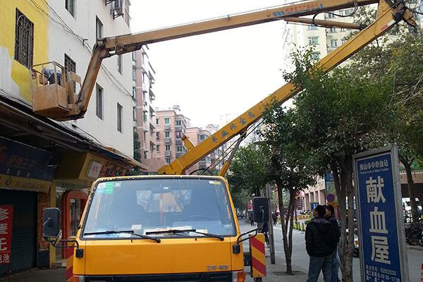 外墙施工高空车案例