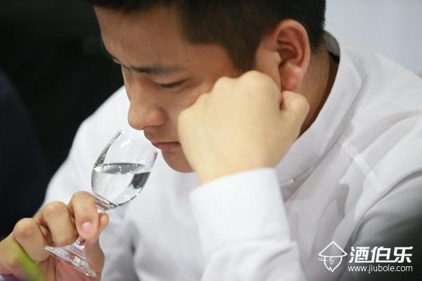 酱香型白酒品鉴方法