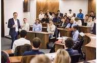 <b>没过联考国家线,选国际免联考MBA可信吗?</b>