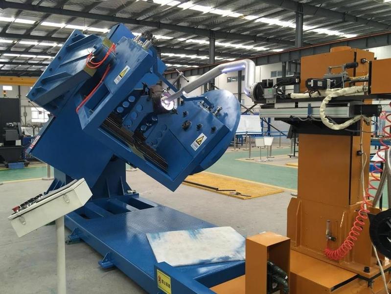 自动化堆焊设备.