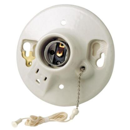 Screw in light socket with pull chain
