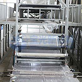 膠衣生產線