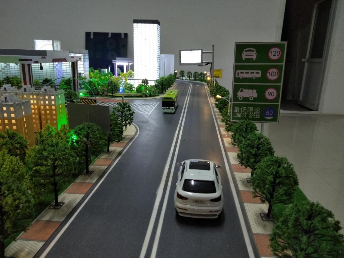智能交通模型制作