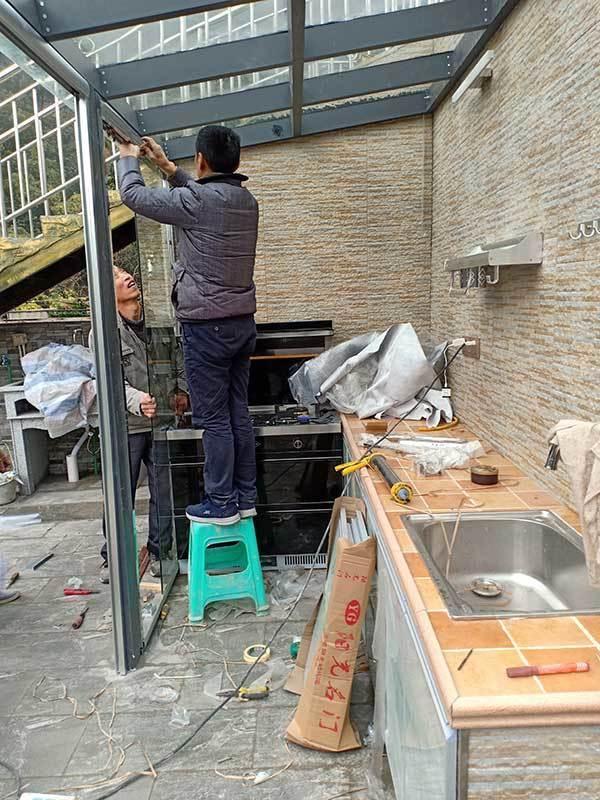 阳台安装玻璃顶棚
